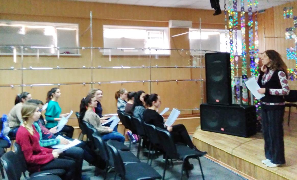 Студенти вчаться озвучувати фільми англійською мовою на гуртку «Методичний Case»