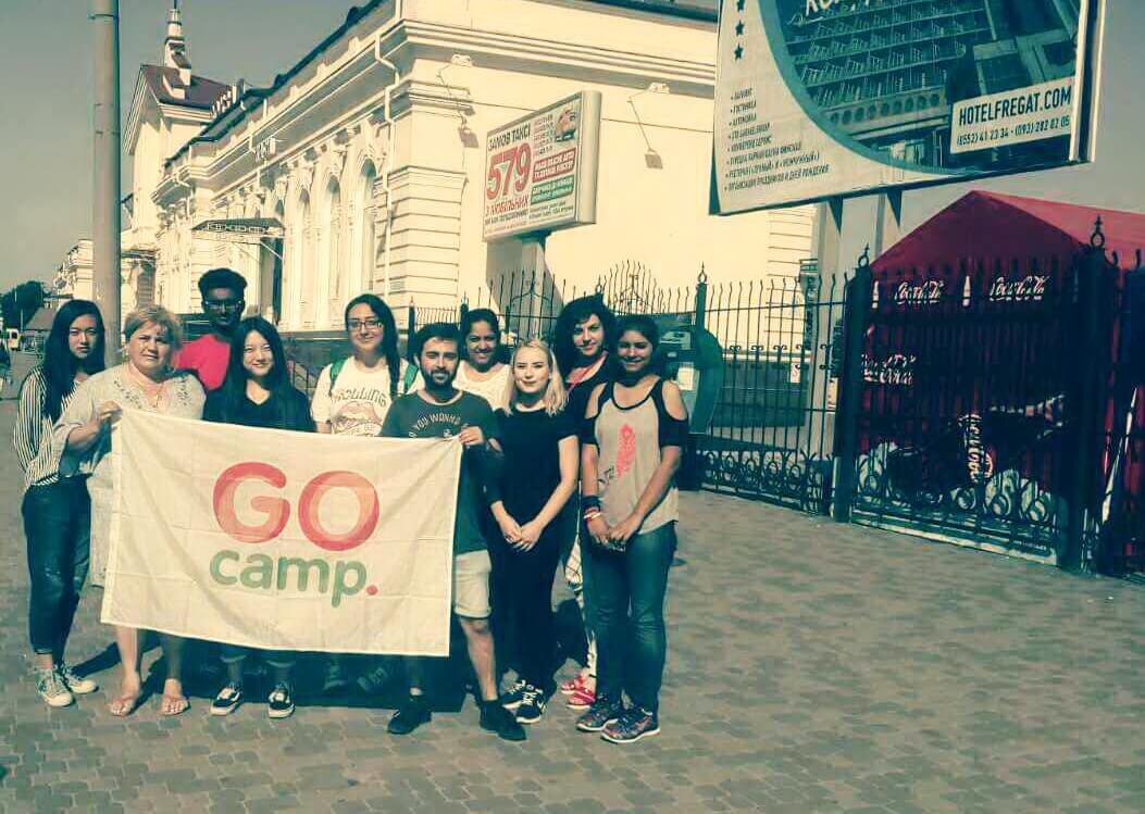 Welcome! 12 волонтерів проекту «GoCamp» будуть створювати мовне середовище серед студентів та дітей у таборі